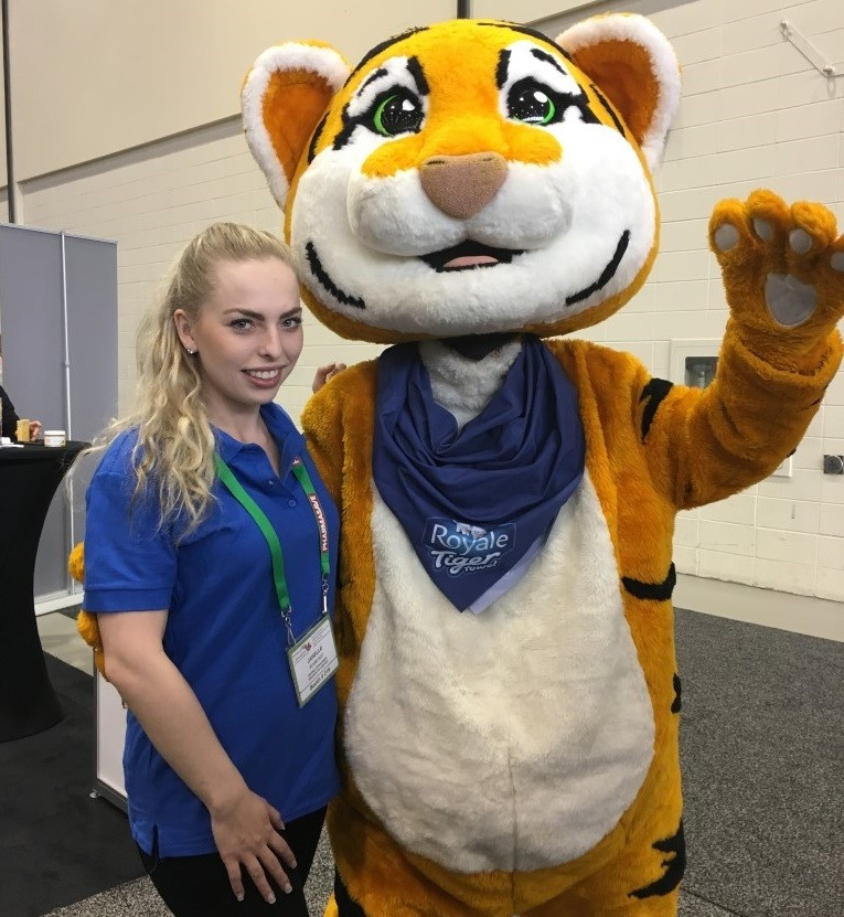 2017 04 24 to 25 Calgary Mascot at Pharmasave National Conference
